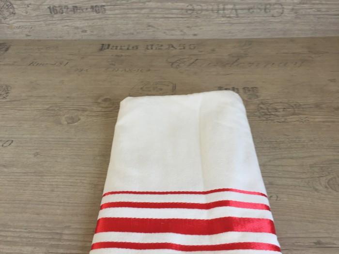 Хавлиена кърпа плюш екрю с червено