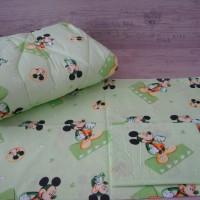 Олекотен комплект за бебе от ранфорс Мики Маус зелено