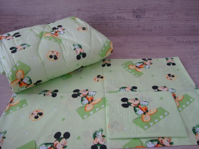 Комплект чаршафи за бебе от ранфорс Мики Маус зелено