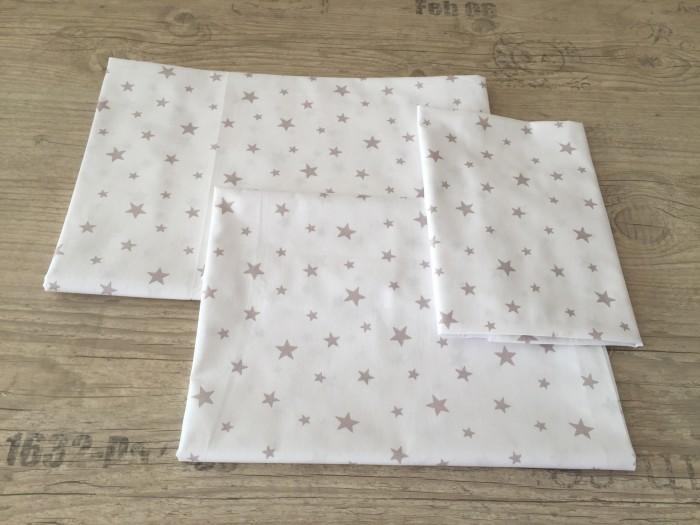 Комплект чаршафи за бебе от ранфорс  Бяло на сиви звездички