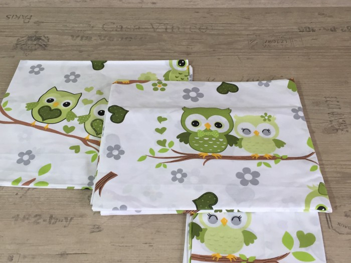 Комплект чаршафи за бебе от ранфорс  Бухалчета зелено