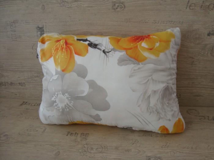 Възглавница дунапрен - Жълто цветя